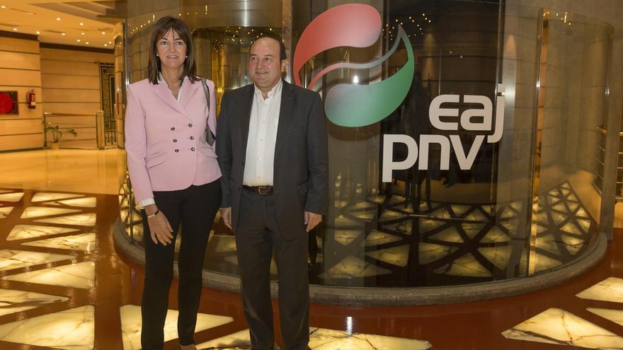 """Mendia advierte a Ortuzar que PSE no dará """"un cheque en blanco a cualquier política"""" en la negociación presupuestaria"""