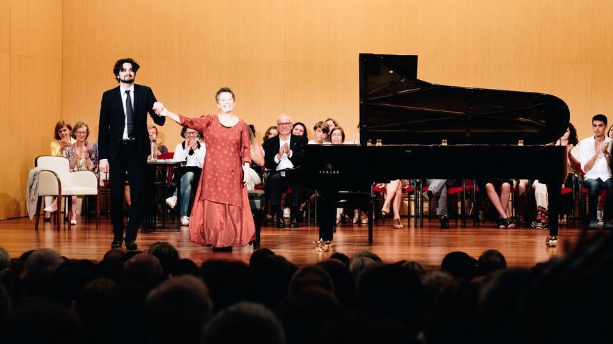Un momento de la actuación de los dos pianistas.