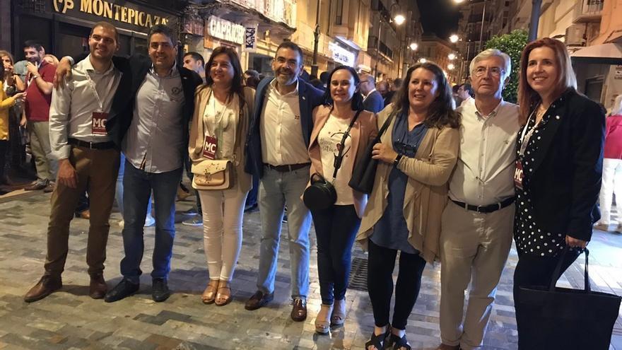 José López, candidato de MC de Cartagena, celebrando su victoria en las elecciones del 26M