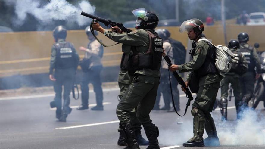 La Policía disuelve marcha opositora en el centro de Caracas