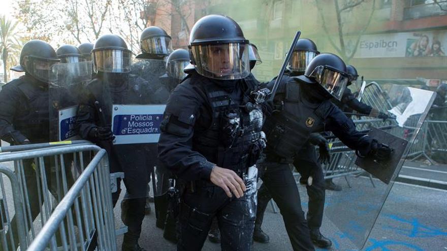 Se elevan a siete los detenidos por enfrentamientos con Mossos el 21D