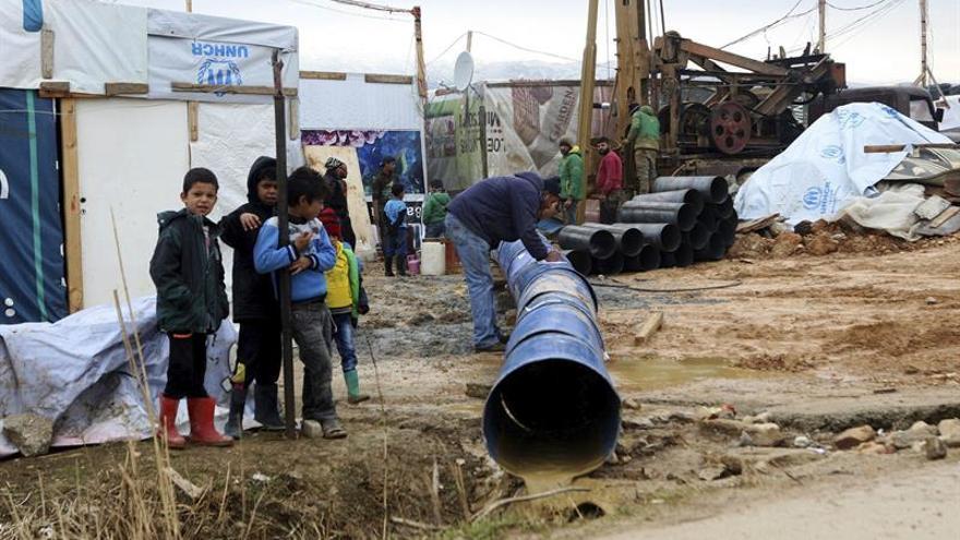 Mueren de frío diez refugiados sirios que intentaban entrar en el Líbano