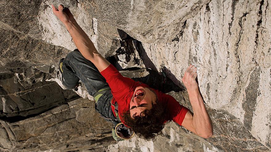 Adam Ondra en 'Change' (9b+), en Flatanger, Noruega (© Petr Pavlicek).