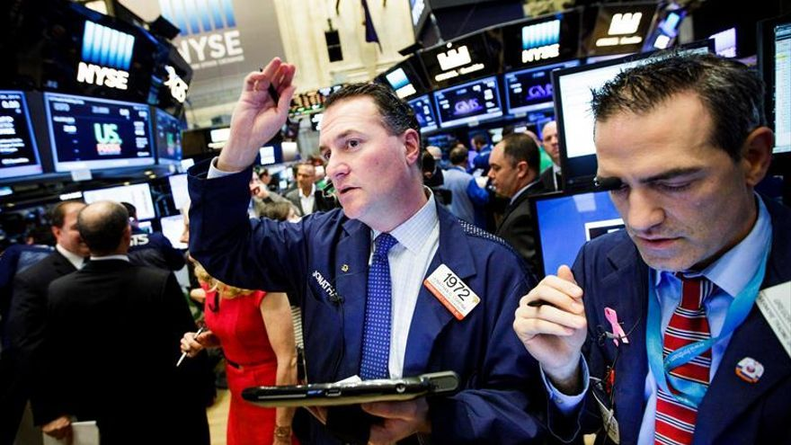 Wall Street pierde el rumbo y el Dow Jones cede un 0,06 %