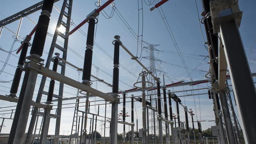 Buscan a los autores del sabotaje de dos torres de la línea de alta tensión