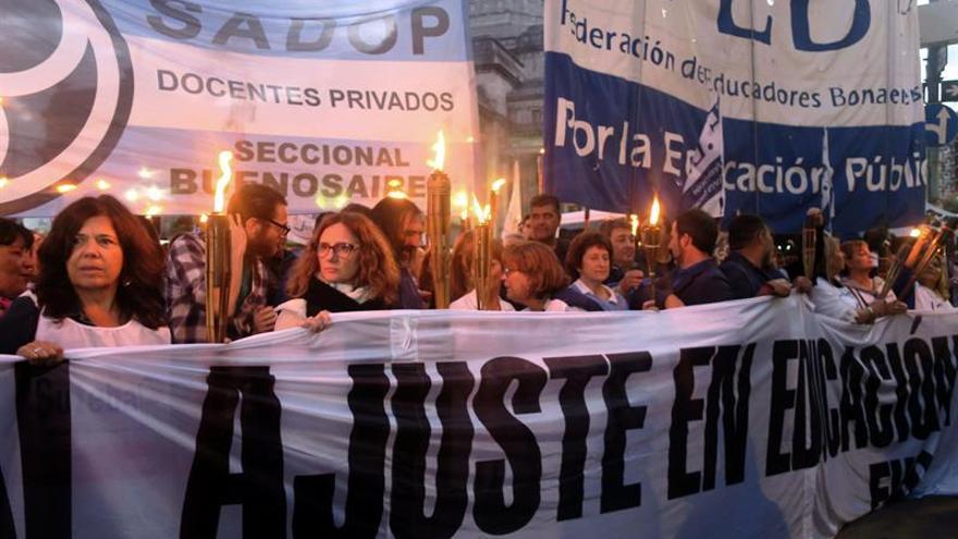 Docentes argentinos convocan un nuevo paro nacional educativo por disturbios