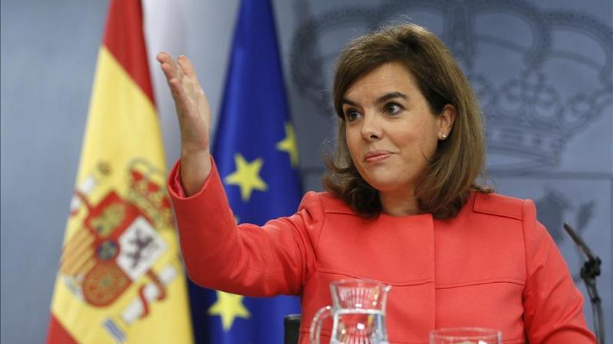 Sáenz de Santamaría aboga por recuperar la confianza ciudadana en la política