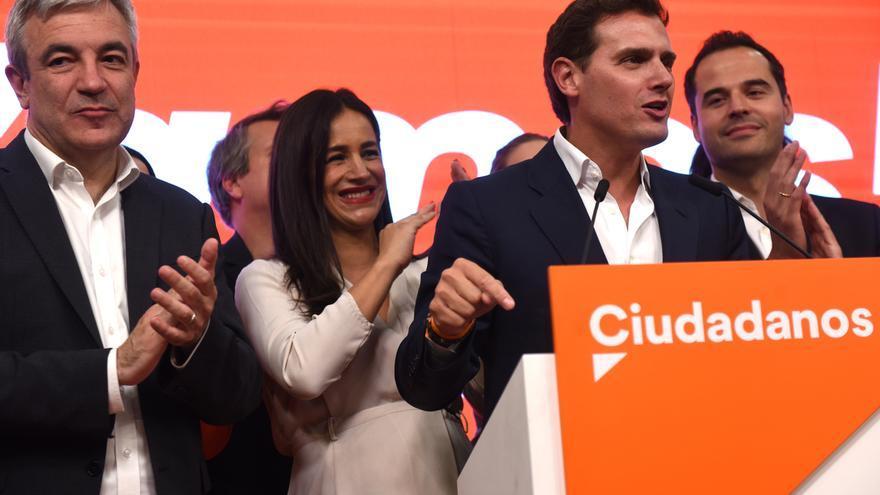 Rivera destaca el aumento de concejales y diputados de Ciudadanos y celebra la derrota de Carmena y Gabilondo