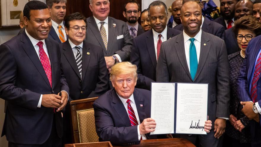 Donald Trump, después de firmar una Orden Ejecutiva en el Salón Roosevelt de la Casa Blanca