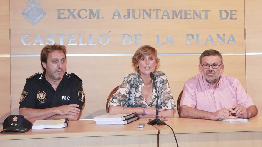 La concejala de Cultura, Verònica Ruiz, durante la rueda de prensa para denunciar la desaparición de 54 obras de arte municipales