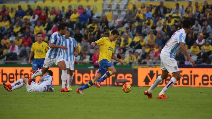 Partido entre la UD Las Palmas y el Málaga en el Estadio de Gran Canaria.