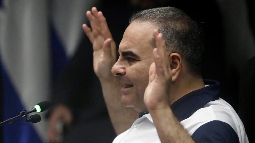 Expresidente salvadoreño Saca confiesa pagos irregulares a sus funcionarios