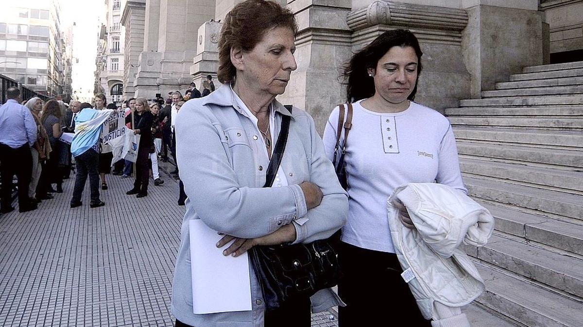 Sara Garfunkel y Sandra Nisman, madre y hermana del fallecido fiscal Alberto Nisman.