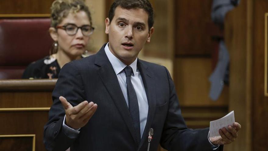 """Rivera alerta de los """"falsos héroes"""" del """"golpe a la democracia"""" en Cataluña"""