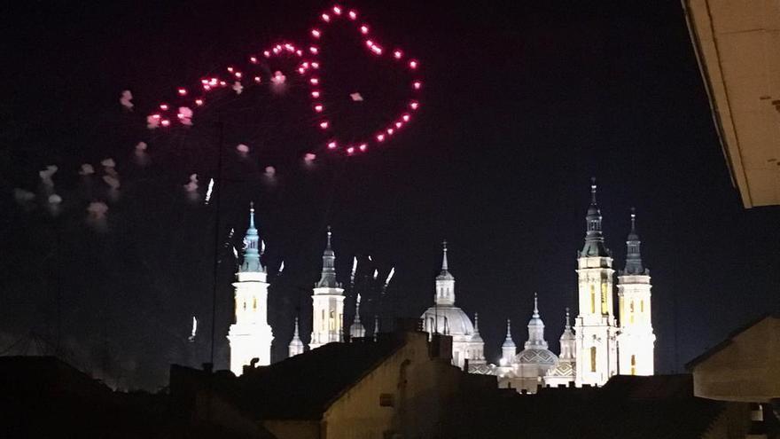Fuegos artificiales en el fin de las Fiestas del Pilar 2019