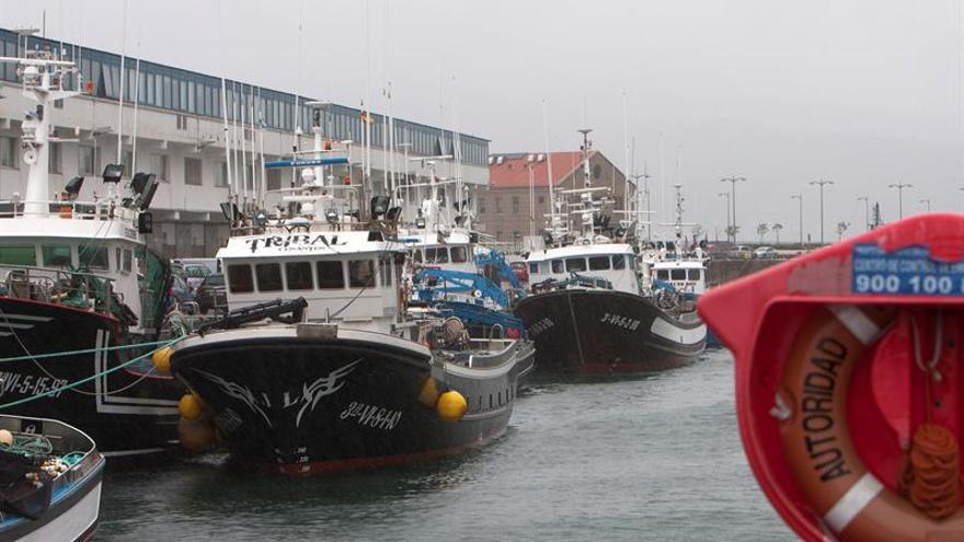 La CE pide a España eliminar las exenciones al impuesto de sociedades para puertos