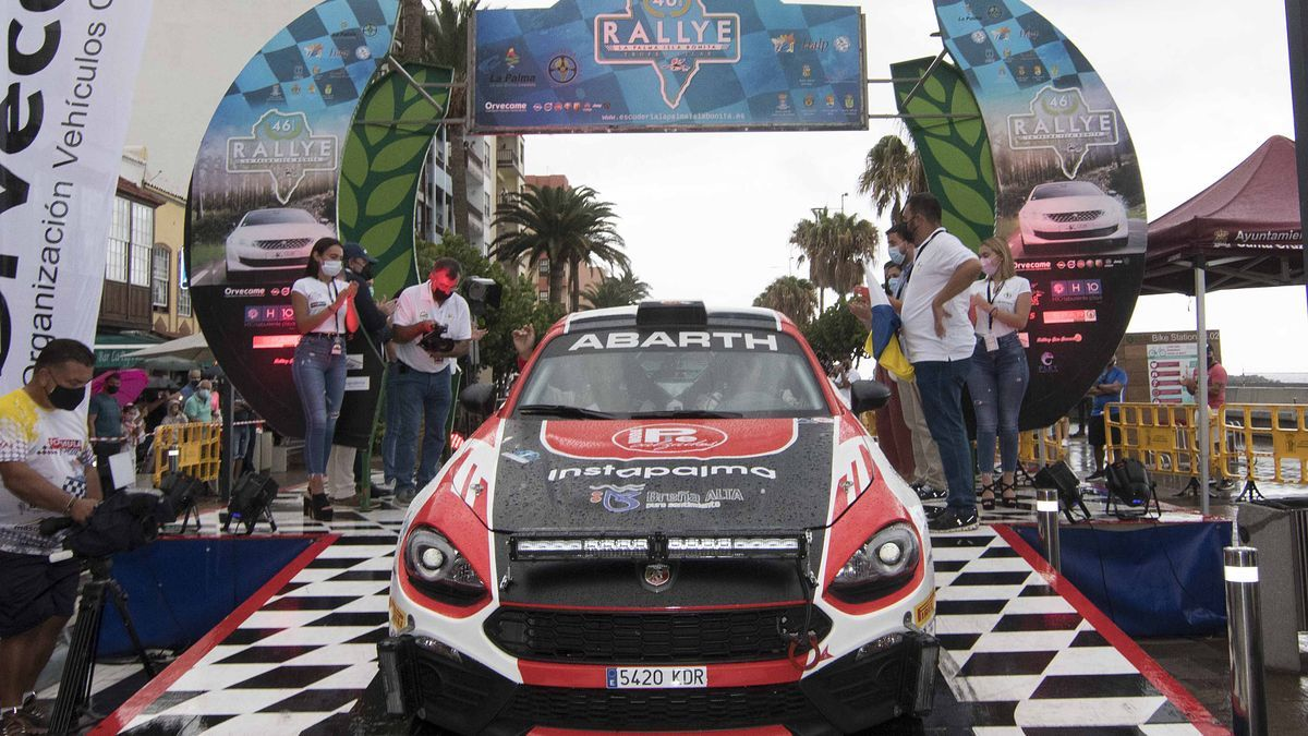 Carlos David García-Jordi Díaz, sobre un Abarth 124 Rally, lideran el Rallye La Palma Isla Bonita