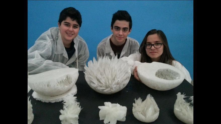 Tres de los alumnos participantes en el proyecto.