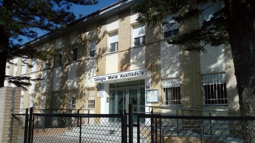 Fachada del Colegio María Auxiliadora de Jerez.