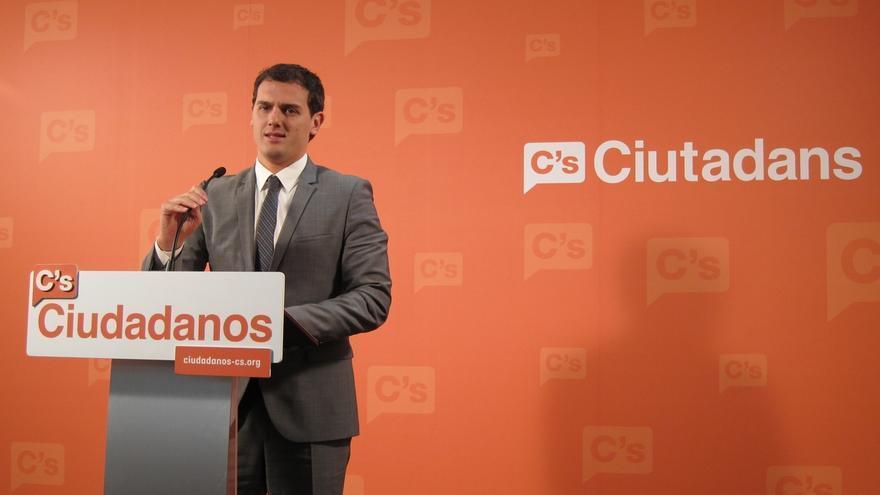 """Rivera saluda que Rajoy pase de criticarle a copiarle: """"El efecto Ciudadanos está en las Cortes"""""""