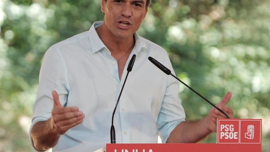 """Sánchez pide a Podemos y C's que no den una """"tercera oportunidad"""" a Rajoy"""