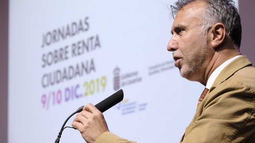 """l presidente de Canarias, Ángel Víctor Torres, presidió este lunes el acto de apertura de las jornadas """"Redistribuye Canarias. Artículo 24: ¿qué renta de ciudadanía queremos?""""."""