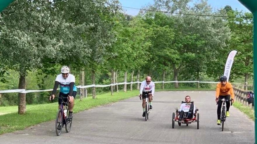 Imagen del recorrido del Récord Guinness ciclista por la investigación de la ataxia telangiectasia