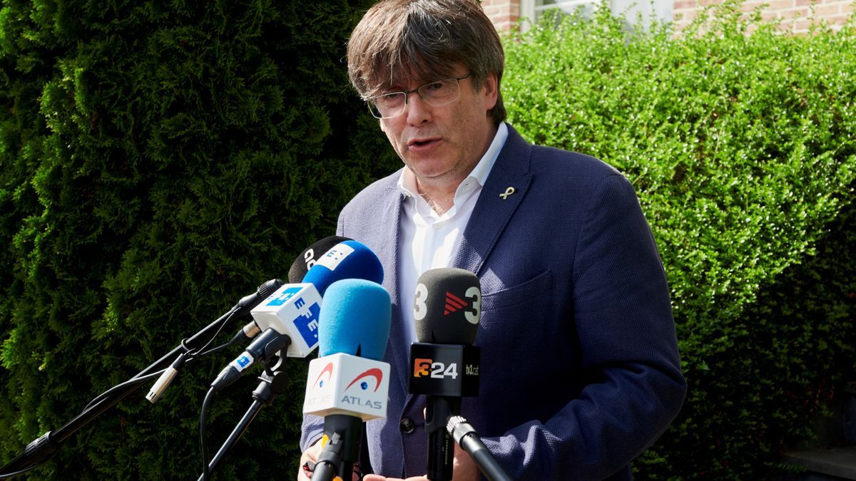 El expresident CarlesPuigdemont, atiende a la prensa el domingo en Waterloo. EFE/ Horst Wagner