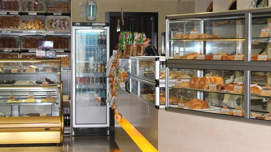 Pueblos de CLM deberán dar atención telemática a consumidores y no podrán restringir horarios de comercios