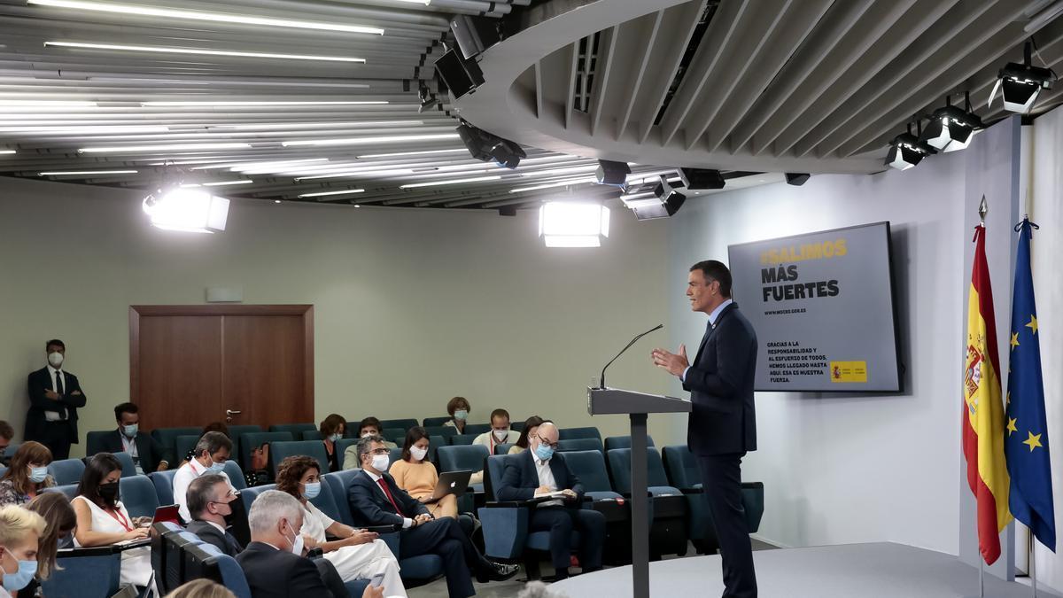 Pedro Sánchez durante su comparecencia en Moncloa este 25 de agosto.