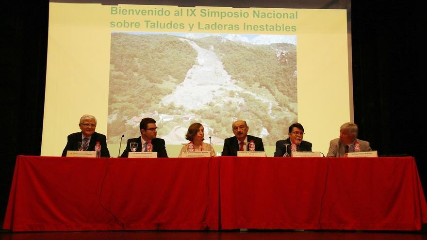 200 expertos participan en el IX Simposio Nacional sobre Taludes y Laderas Inestables