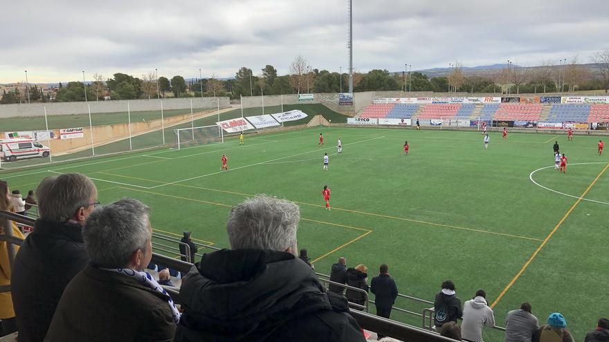 El Justicia de Aragón, Ángel Dorado, asistió hace unas semanas a un partido del Zaragoza CFF en su campo de Villanueva.