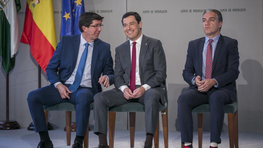 Juanma Moreno, Juan Marín y Elías Bendodo en un acto en Andalucía.
