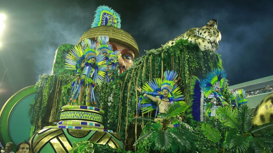 Carnaval anti Bolsonaro: los sambódromos se llenan de todo