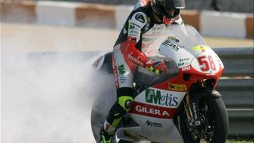 Simoncelli se hace con la victoria por delante de Di Meglio y Barberá