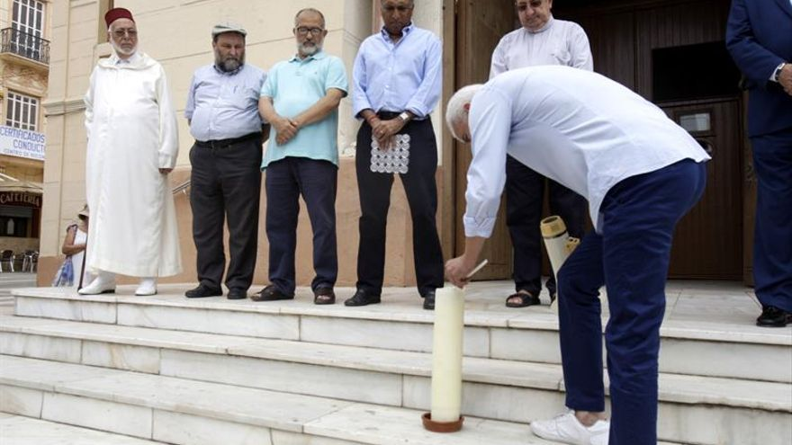 Melilla lanza un mensaje de unidad entre religiones en contra del terrorismo