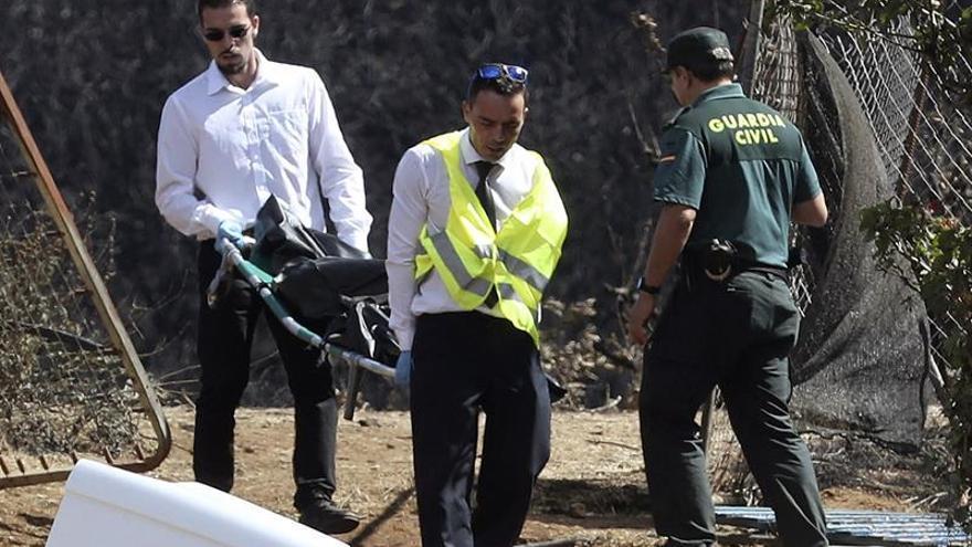 Traslado del cuerpo calcinado en Gran Canaria al Instituto de Medicina Legal