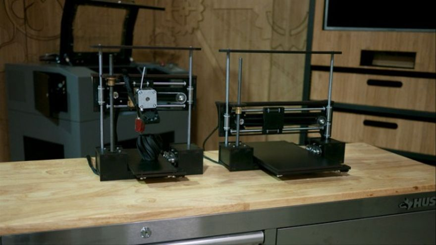 Del sitio web de crowdfunding Kickstarter han salido dos proyectos que pretenden fabricar sendas impresoras 3D para venderlas a 100 dólares y a 199 dólares