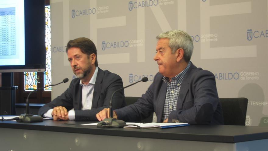 Carlos Alonso y Aurelio Abreu, este jueves en la sede del Cabildo de Tenerife