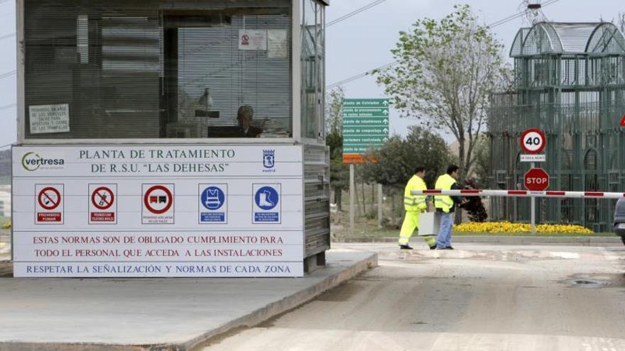 """Madrid asume de manera """"transitoria y excepcional"""" los residuos del este"""