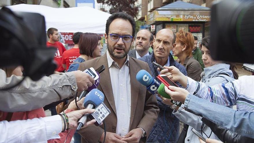 """Hernando está convencido de que los progresistas """"votarán al PSOE sin atajos"""