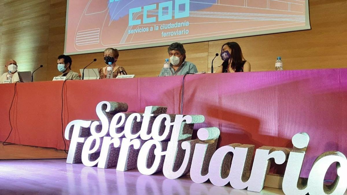 Presidencia del del 12º Congreso del Sector Ferroviario de FSC-CCOO que se celebra en Córdoba.
