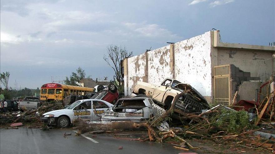 Once personas mueren por el paso de un tornado en ciudad del norte de México