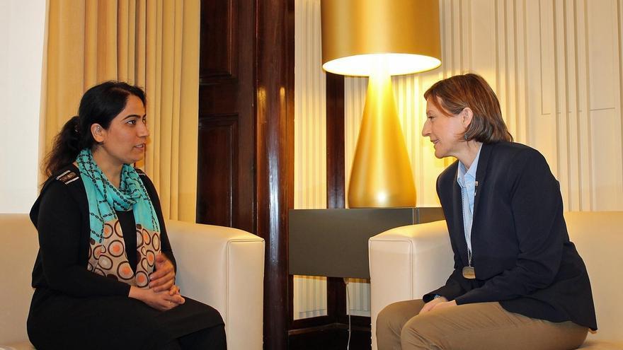 Forcadell ha recibido hoy a la activista afgana Malalai Joya en el Parlamento catalán