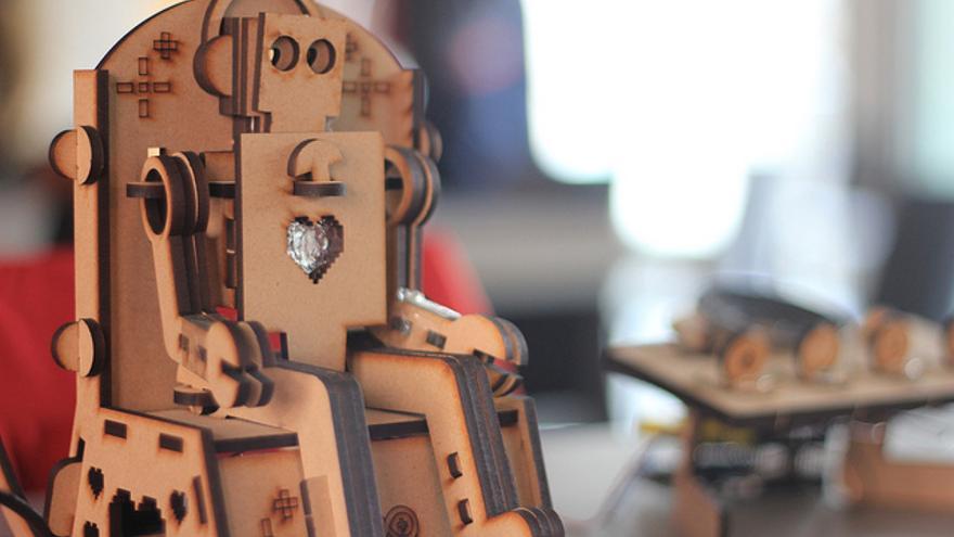 A los robots les cuesta interpretar las indirectas y bromas que se utilizan para ligar