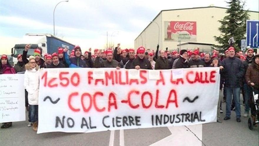 Coca-Cola articulará mediante prejubilaciones casi la mitad de los 750 despidos previstos en el ERE