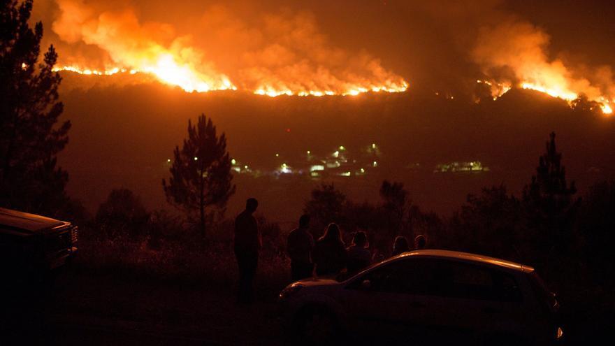 Los incendios no dan tregua tras arrasar más de 8.000 hectáreas en Ourense