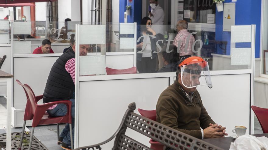 La UE señala las reuniones con amigos y familiares como principal causa de la transmisión de la pandemia en España