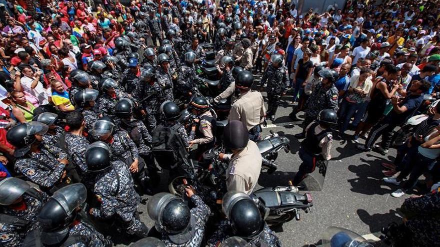 La Fiscalía confirma la muerte de una mujer durante consulta opositora en Caracas