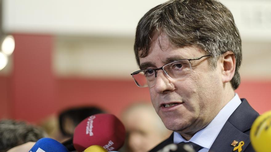 """Puigdemont pide asociarse a la Crida para crecer y perseguir """"hasta el final"""" la unidad política"""
